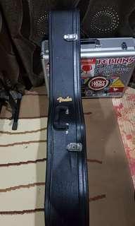Fender hardcase acoustic