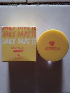 "Emina Daily Matte Loose Powder ""01 Light Beige"""