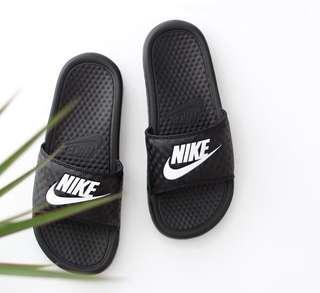 🚚 UK7.5 Nike Benassi Slides carbon design