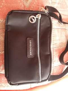 Long champ sling bag not authentic