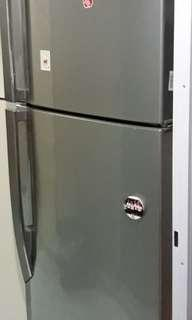 Refrigerator-freezer 321 L