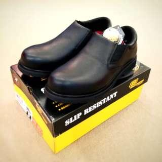 BNIB Skechers Safety Shoes Safety Boots (Size 8 - 12)