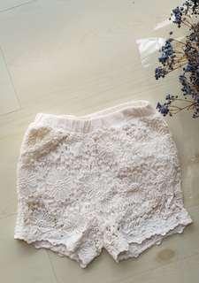 🚚 Girls lace shorts