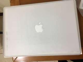 🚚 Apple MacBook Air 13吋專用 霧面磨砂保護殼-白色