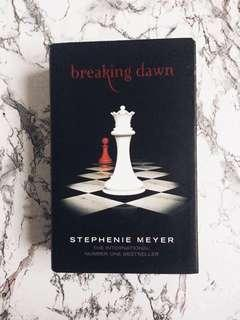 Breaking Dawn - Twilight Saga (HardBound)