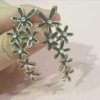 🚚 CLEARANCE SALE! BN Gem Studded Dangling Black Flowers Earstuds Studs Earrings