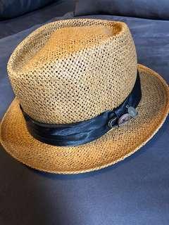 🚚 Women's hat