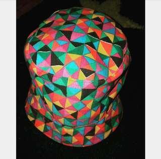 topi 2 warna titip punya sodara
