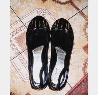 sepatu wanita no merk titip punya sodara