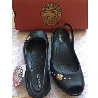 🚚 三麗鷗授權 Hello Kitty凱蒂貓 防水娃娃鞋 超輕量水鑽魚口鞋 黑36