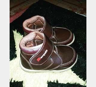 sepatu anak laki laki size 24 titip punya sodara
