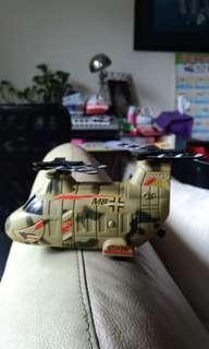 🚚 直升機玩具