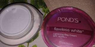 Pond's Flawless White Day Cream 50g
