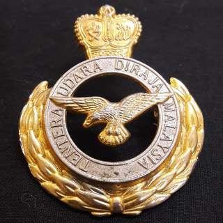 Vintage TUDM pin badge