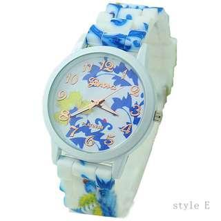 藍色花花 腕錶 手錶 特價 啫喱膠帶 手表 學生款 成人 小童 watch women flower blue print jelly wristwatch cheap CH20 E
