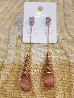 🚚 水鑽燈泡造型耳環