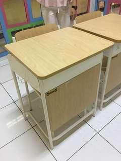 Set Meja dan Kursi Belajar