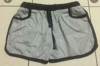 Hotpants shortpants stripe garis