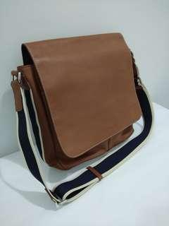 Coach messenger leather authentic very new