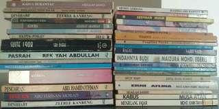 Buku dan novel 10 sebuah