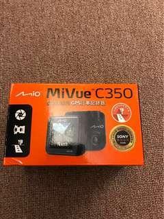🚚 (9.9新)僅用過一次。大光圈行車紀錄器附16G大容量記憶卡 光華商場購得有保固卡(原價3990)