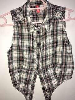 H&M Sleeveless checkered shirt