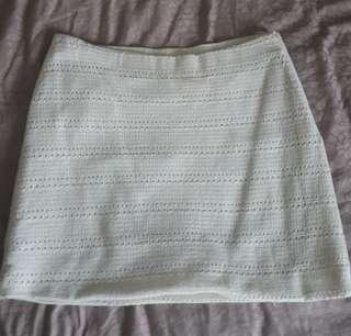 Chic Zara white lace skirt