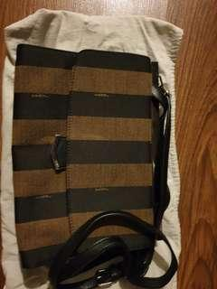 Preloved Fendi sling bag