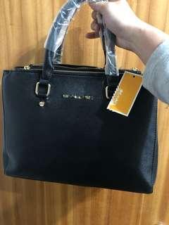 出清特價 出價就賣 海關查扣 M牌手提包 側背包