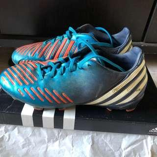 🚚 Adidas Soccer Boots