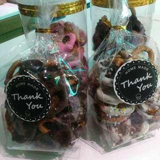 Chocolate pretzel or white chocolate strawberry dark chocolate.RM20