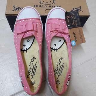 Hello Kitty Shoes #MFEB20