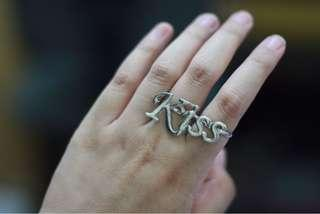 Kiss Ring #sharethelove