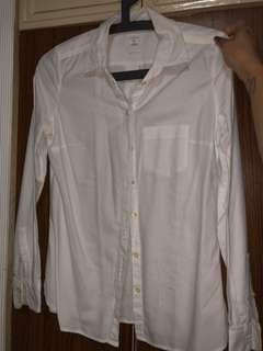 Gap button down top