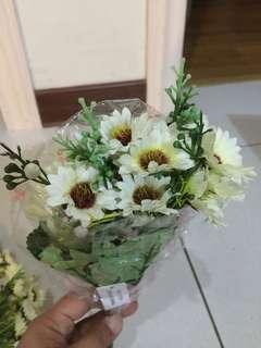 Daisy decoratve flowers