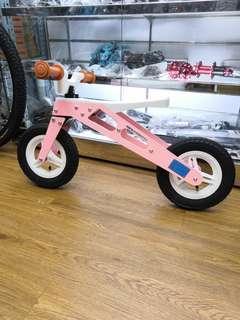【深水埗門市easy bike依時單車店】全新專利設計10吋鎂合金兒童平衡車,新款小童平衡單車,小朋友滑步車,生日禮物。