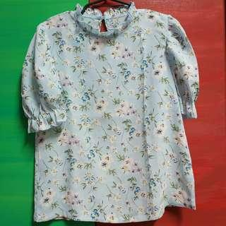 Light Blue Floral Blouse with Collar and Sleeve Hem Pleats
