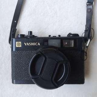 Yashica Electro 35 CC Rangefinder Camera