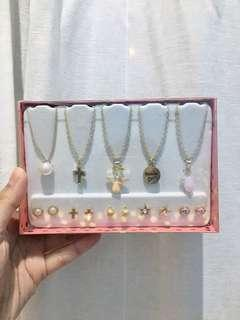 1 Set Necklace & Earing