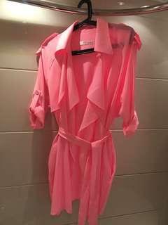 Shocking pink螢光粉紅半身薄外套