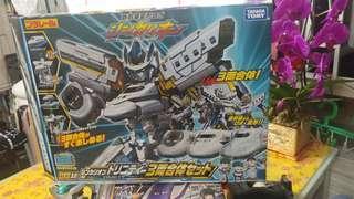 新幹線戰士 新幹線口木 700系 三車合体  DXS10 二手 只限一盒 takara tomy