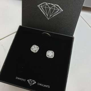 🚚 Lovisa Diamond Simulants Earrings