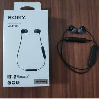 SONY: Wireless Stereo Headset, Bluetooth, 8 hours battery life and with microphone