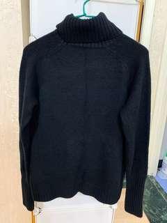 黑色高領針織毛衣