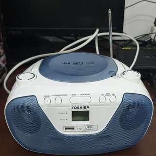 售很新的TOSHIBA東芝 藍色手提式CD MP3 USB 廣播 手提音響 TY-CRU8TW(L)