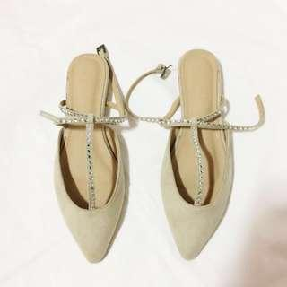 Studded Pointed Flat Shoes with strap