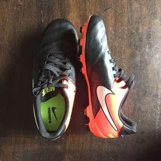 Kasut bola Nike Tiempo soccer boots