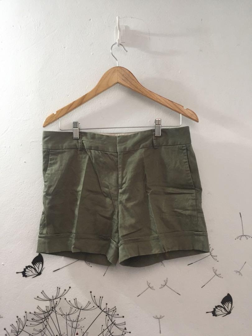 ARMY GREEN SHORT