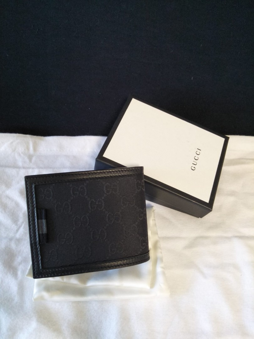 5515af5ababecd Authentic Brand New Gucci men wallet, Luxury, Watches on Carousell