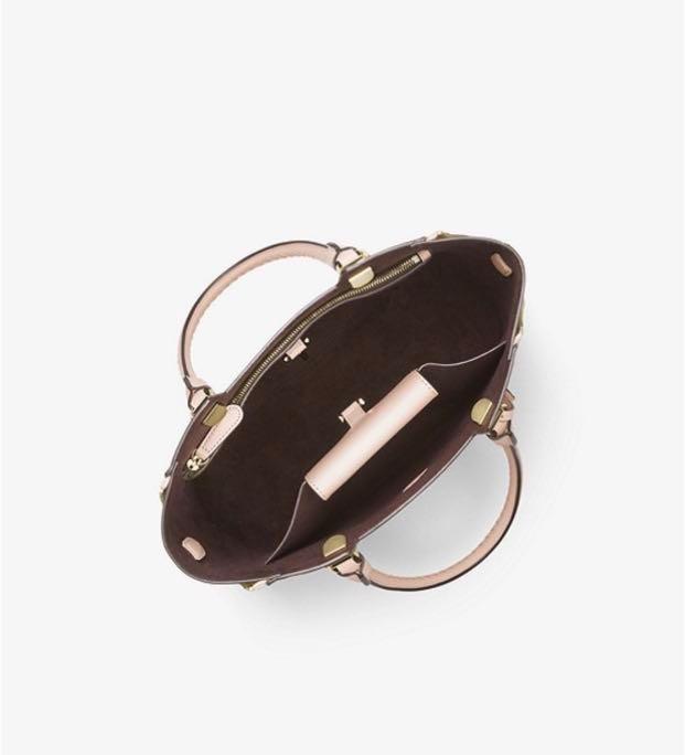e04060c39c5811 BN Full Set Michael Kors full leather blakely satchel sling baby pink,  Luxury, Bags & Wallets, Sling Bags on Carousell